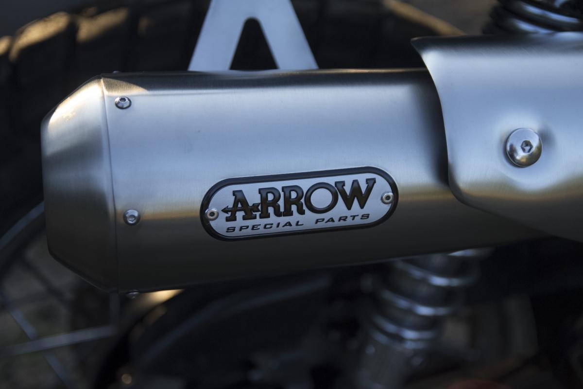 ARROW フルエキゾーストシステム