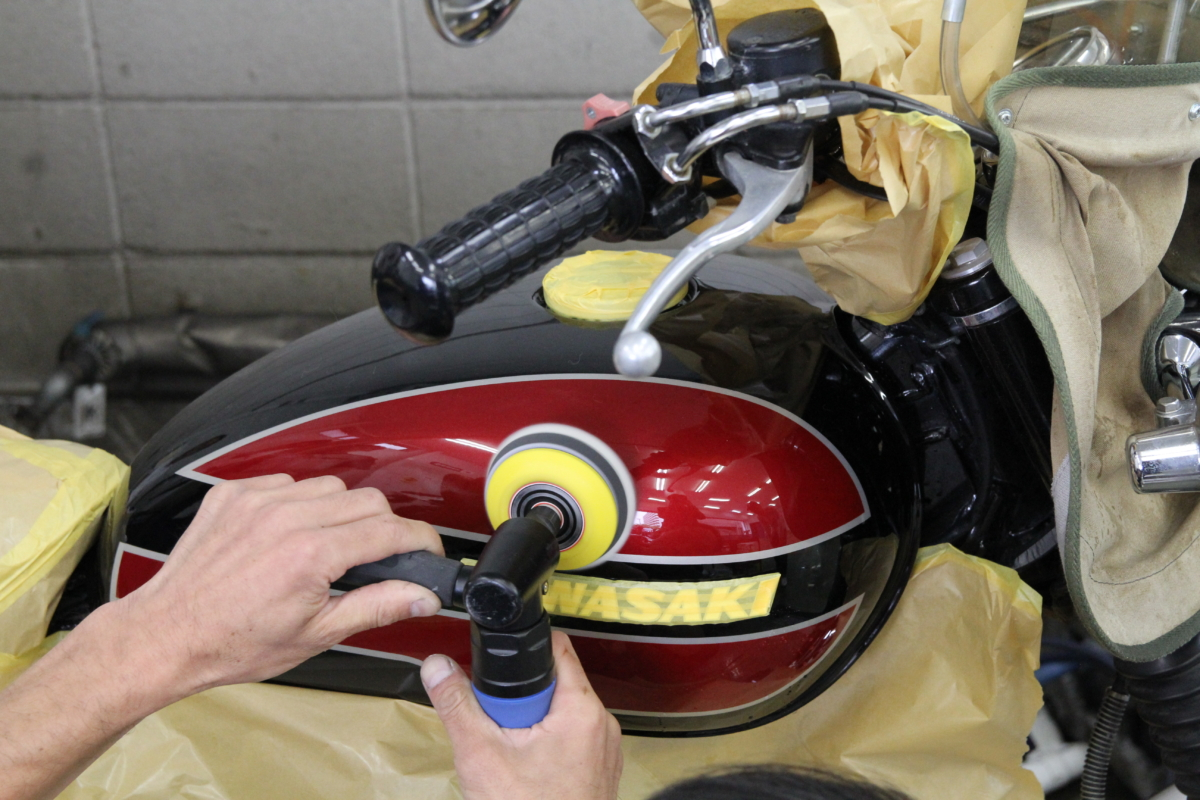 W650タンク磨き