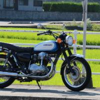 カワサキ W650のタンクをW2TT(W2SS)風に交換!1960年代のオートバイに近づいたか!?